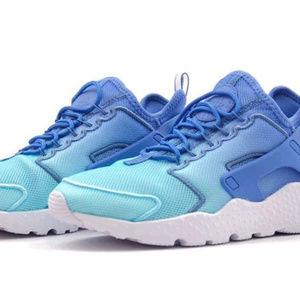 online store 5a581 f3468 Nike Shoes - Nike Air Huarache Run Ultra BR Women Size 12